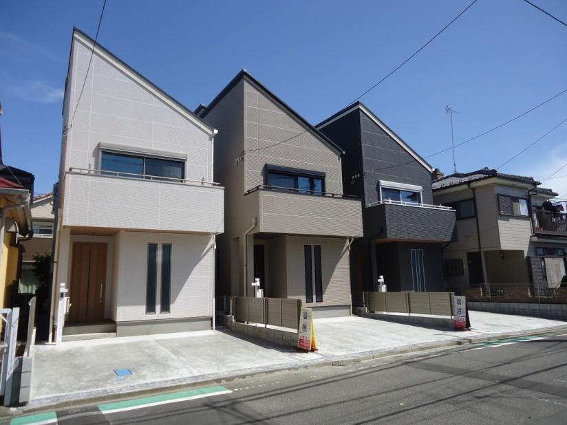 人気の弥栄 新築3棟現場 建物完成しました